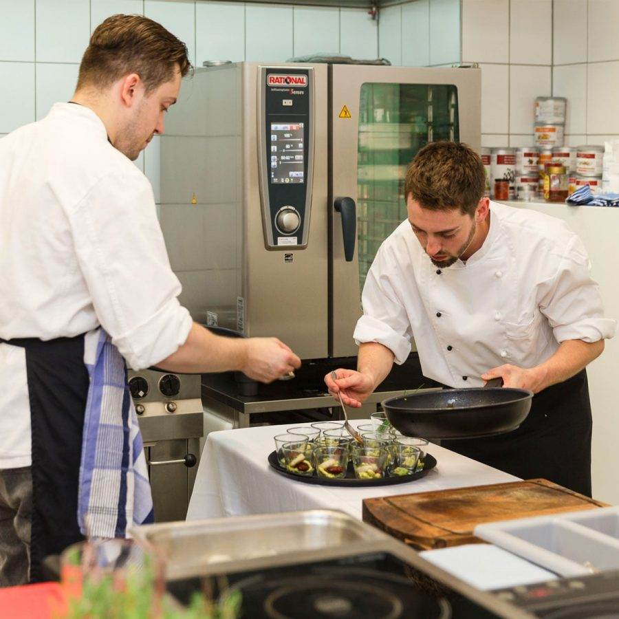 Kochkurse bei Sterneköche in Frankfurt. Event Idee Incentives Frankfurt - FLOW THE KITCHEN Event & Food Konzepte