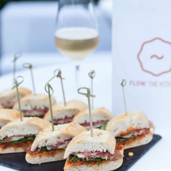 Catering Beispiele: Sandwiches - FLOW THE KITCHEN · Caterer Frankfurt/M & Rhein-Main
