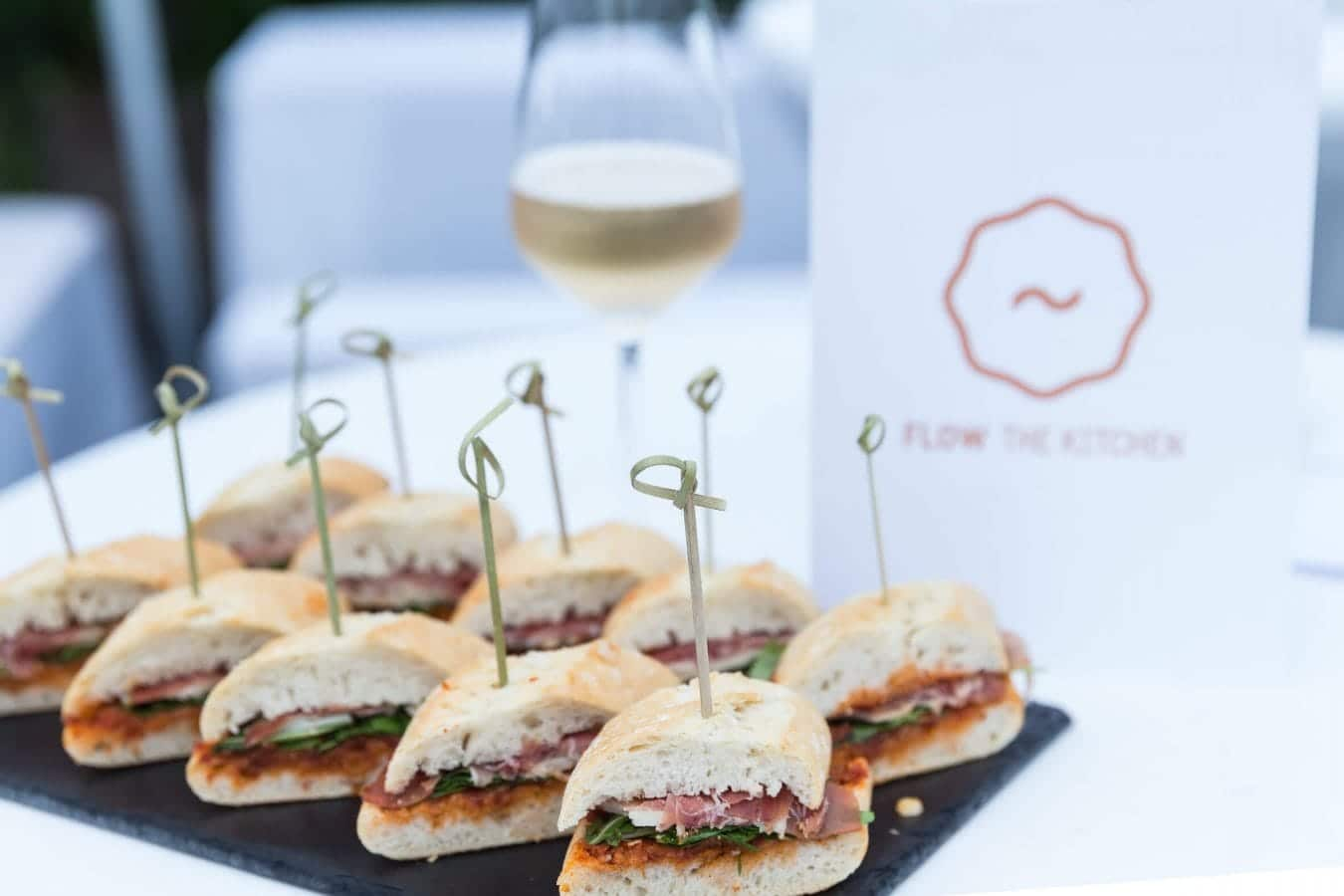 Catering Beispiele: Sandwiches - FLOW THE KITCHEN · Caterer Frankfurt/M & Rhein-Main