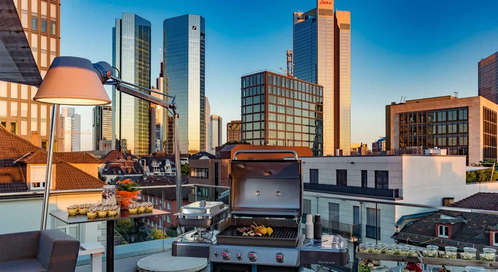 Betriebsausflug und Sommerfest: Die Rooftop Location in Frankfurt am Main - Ideale Location für Firmenveranstaltungen und Gruppenevents. Eventlocations in Frankfurt am Main