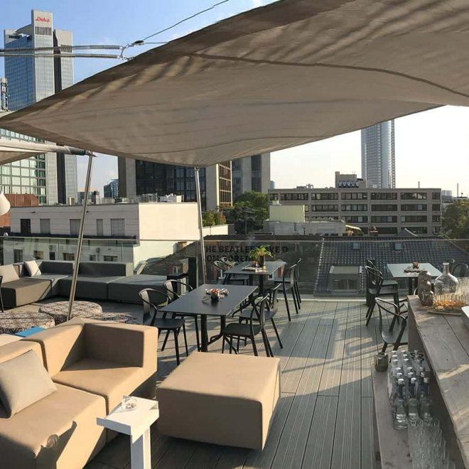 Rooftop Bar Frankfurt - Dachterasse im Frankfurter Westend.