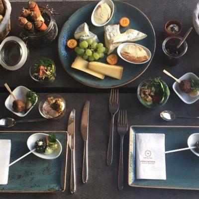 Dinner for two ….. ganz exclusiv in unserer @FLOWCATION Habt Ihr was ganz besonderes zu feiern ? Ihr möchtet ein exclusives Dinner oder Winetasting mit Freunden und Geschäftspartnern?